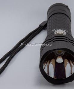 Đèn pin Convoy BD01 (Convoy BD01 flashlight top-side)